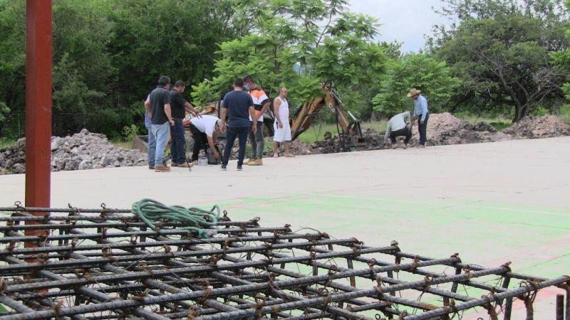 Iniciaron los trabajos para la construcción del techo elevado en el CECYTEM EMSAD 03 de Zárate,